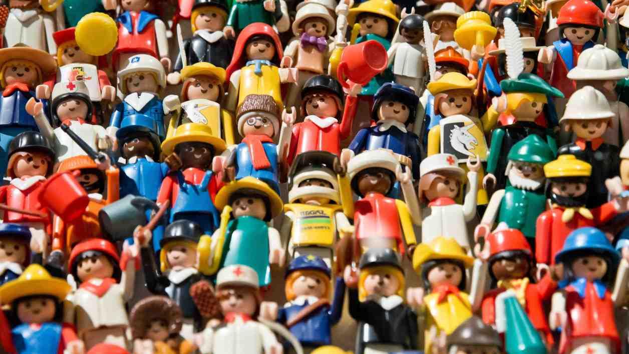 Qui a créé les playmobils ?